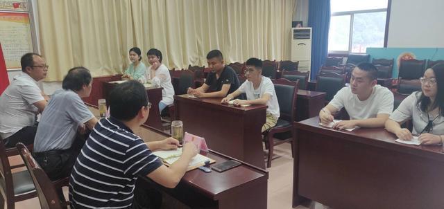 佛坪县人民法院举行岗前廉政谈话 向新录