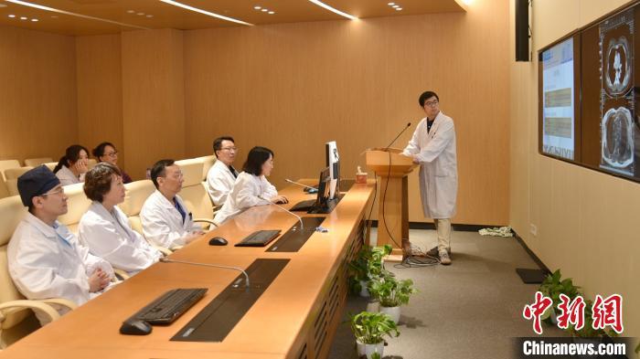 中国专家率先提出胸腺肿瘤的复发预测模型 解决世界医学难题图片