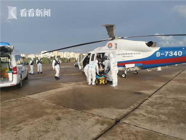 三亚海事局成功组织救助入境伤病渔民图片