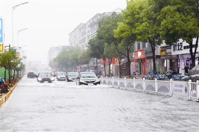 梅雨季节行车用车宝典