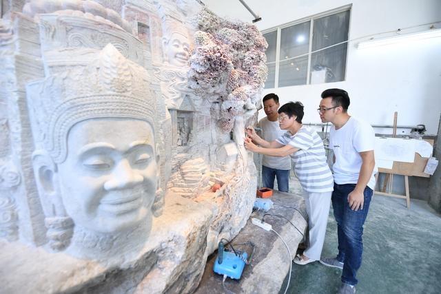 """大型寿山石雕展现""""吴哥之美"""""""