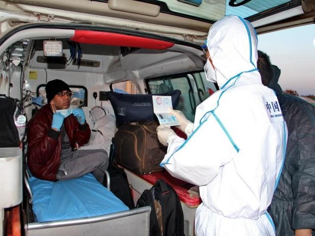 莱州出入境边防检查站疫情期间紧急救助外籍患病船员