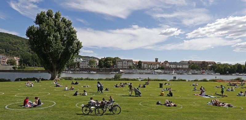 德国再次发生聚集性感染 逾百人被要求居家隔离