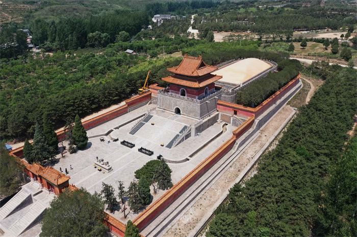 清西陵崇陵明楼和宝顶航拍景