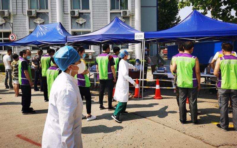北京快递小哥陆续开展核酸检测,目前无确诊和疑似病例图片