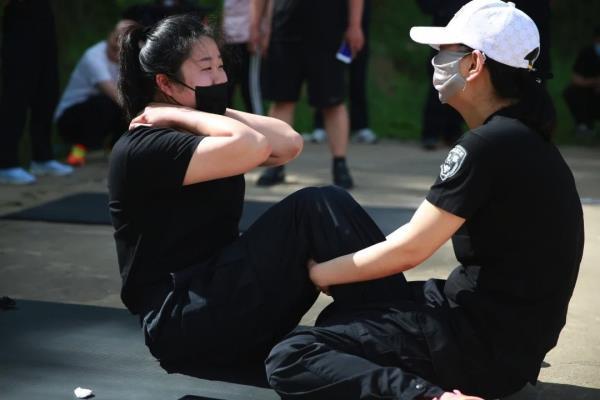 黑龙江南岔公安组织开展全警实战大练兵体能考核