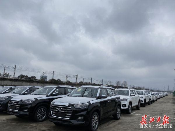 """武汉重开""""点对点""""货运列车 中国"""