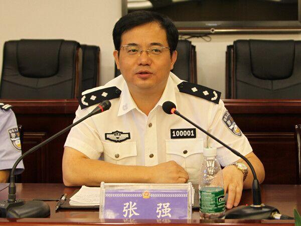 天富官网省委天富官网政法委副书记图/图片