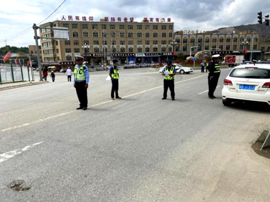 """尖扎县开展打击""""黑车""""非法营运专项整治行动"""