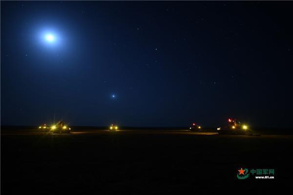 夜训大片 走进陆军防空兵夜间实弹射击现场