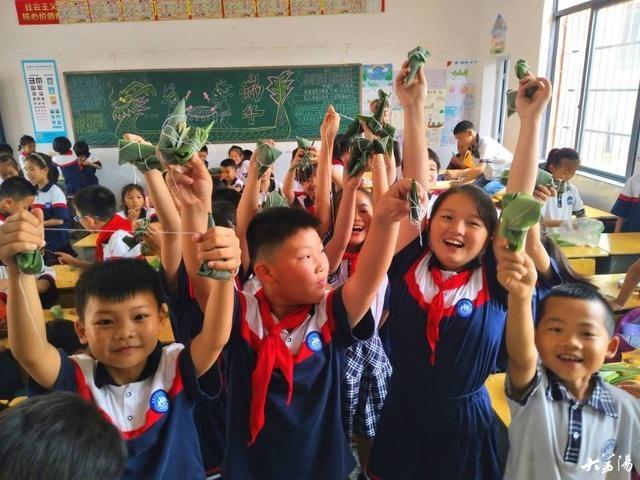 梓山湖学校:开展主题班会 传承传统文化
