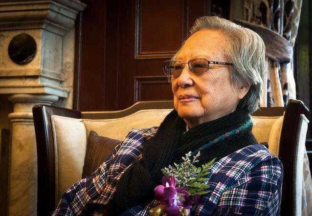 谢稚柳夫人、著名中国书画家陈佩秋在上海逝世,享年98岁