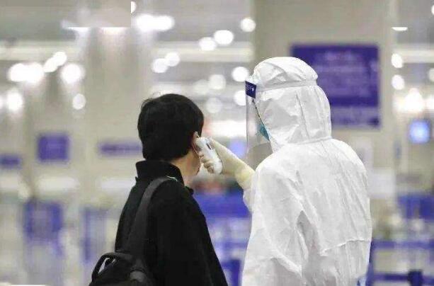 北京司机自称揪口罩透气感染