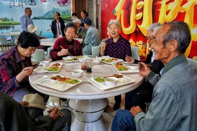 西宁爱老幸福食堂7月1日恢复供餐,再次提高补贴标准