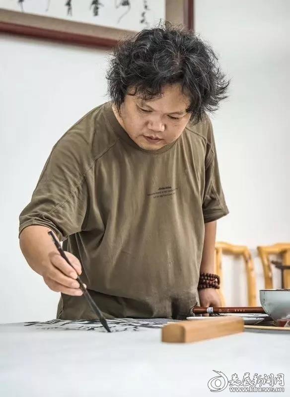 肖玉元入选中国美术家协会会员 立志为家乡娄底绘就大型画卷《脱贫攻坚颂》