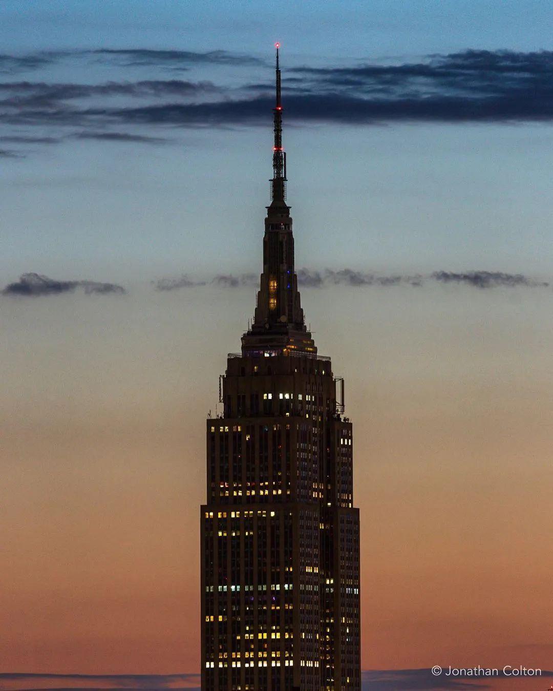 帝国大厦熄灯后,图源@jlcolton