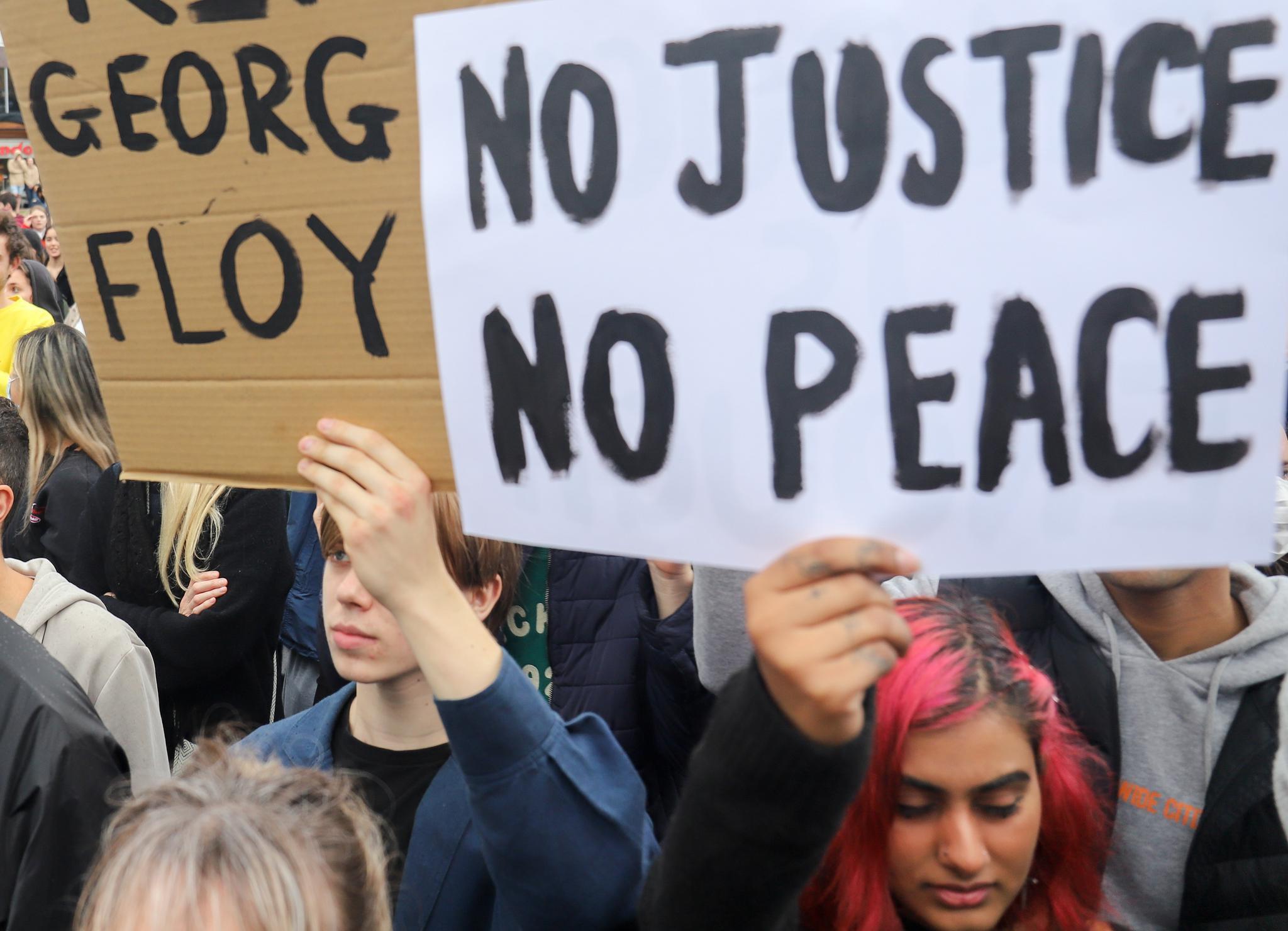 亚太欧美十余国爆发抗议,谴责美国警察种族主义与暴力执法