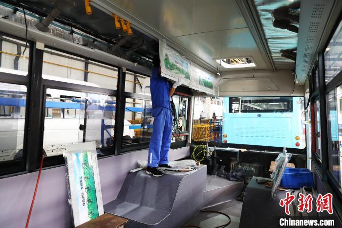 探访江西南昌纯电动公交车生产车