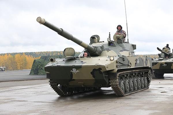 """俄羅斯2S25M""""章魚""""-SDM1配備了125毫米火炮,火力強大"""