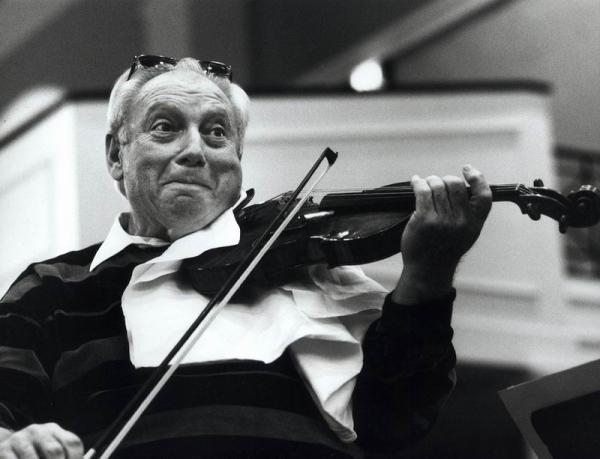 莱布雷希特专栏:小提琴家斯特恩的多重生活