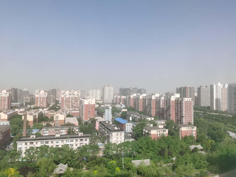 受沙尘影响,北京西北部严重污染图片