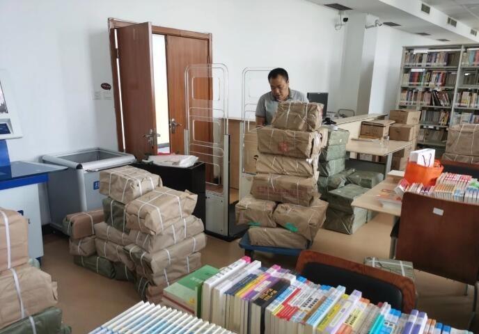 清徐:95家农家书屋补充图书 满足村民阅读需求