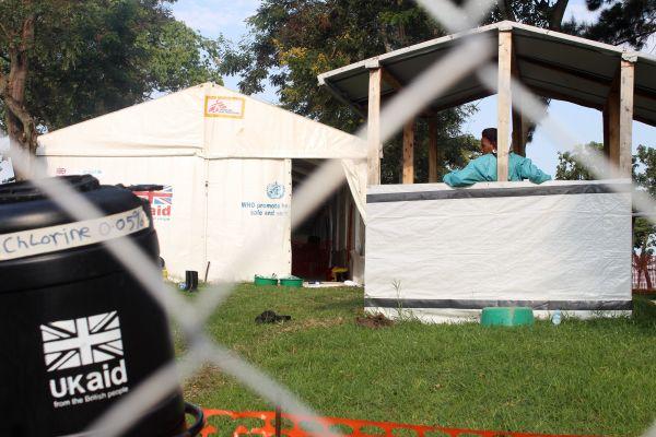 这国又暴发埃博拉疫情 正抗击新冠疫情和麻疹疫情