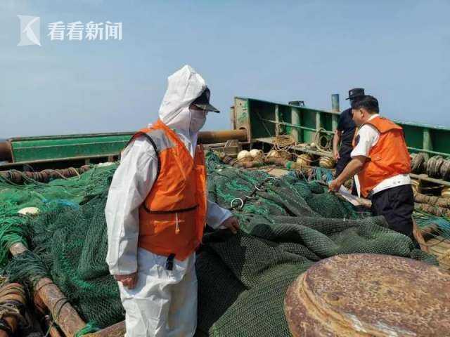 「自然科學」查違法船舶自然科學查獲劣質燃圖片
