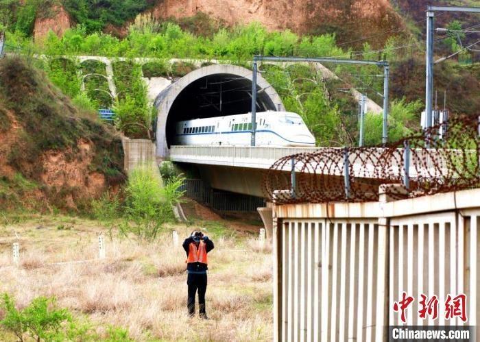 人防、物防、技防助力太原铁路防洪减灾。 樊高 摄