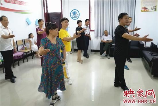 """荥阳市豫龙镇:""""一村一艺""""戏曲培训 唱响传统文化底蕴"""