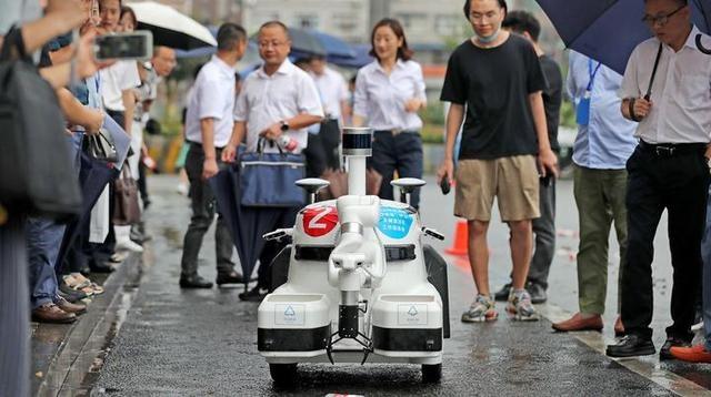 无人驾驶的环卫车来了 为了入选杭州亚运会 它们也是拼了