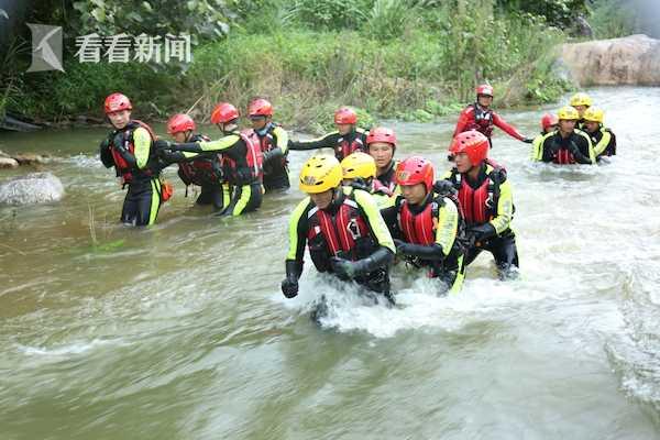 视频|练为战!直击海南消防救援总队急流救援实操训练