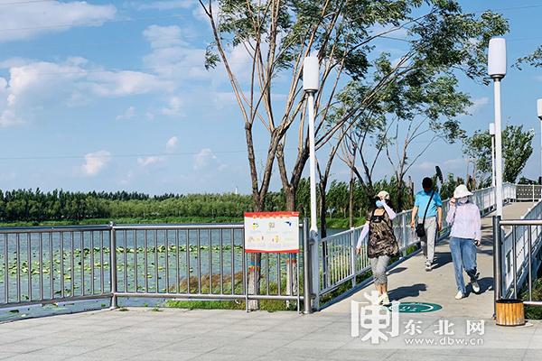 """【走向我们的小康生活】大庆油田:绿水蓝天""""小康梦"""""""