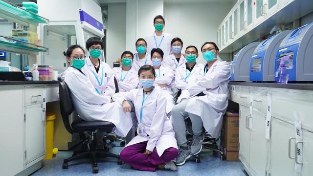 湖北援京医疗队凯旋 中南医院院旗被军事博物馆永久收藏
