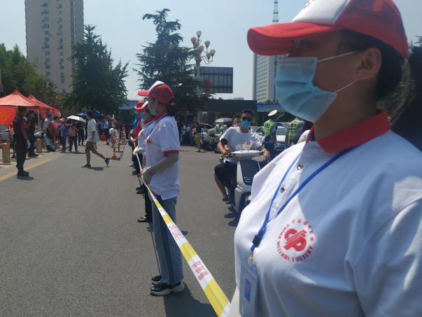 【济宁】福彩义工团爱心助力高考,为考生保驾护航