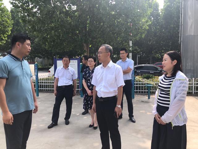 """王少青到开发区检查指导""""创卫""""""""创文""""工作"""