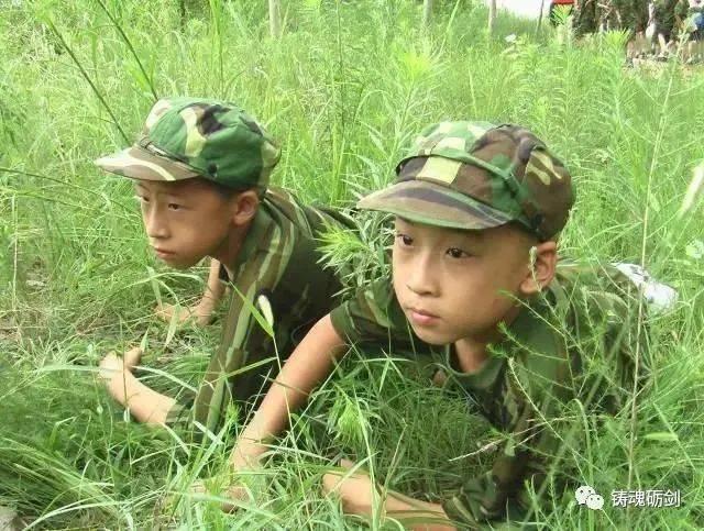 国防教育从娃娃抓起,少年军校活动获好评