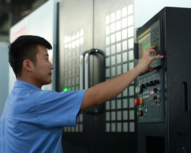 西安航空基地先进制造企业为ARJ21飞机发展贡献民企力量