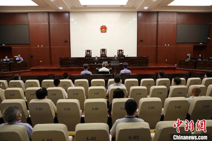 河北人大常委会原副主任张杰辉受贿超1.2亿 获刑15年