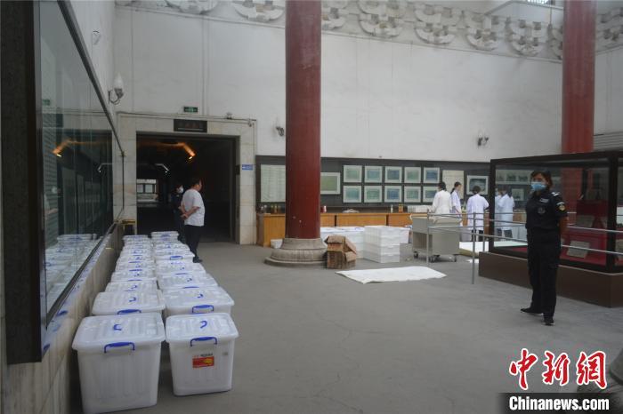 河南洛阳古代艺术博物馆1700件套文物搬迁
