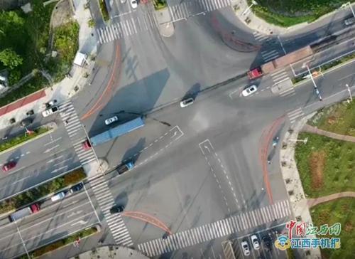 """吉安:""""硬核""""交通警示标志成了""""网红""""(多图)"""