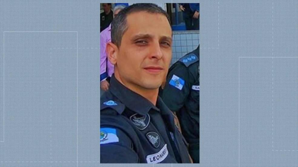 巴西武装贩毒组织头目自首,被捕前另一身份是警方指挥官