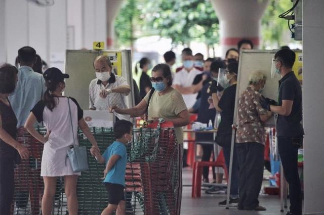 新加坡行动党蝉联执政但得票率大跌,反对党夺下史上最多席位数