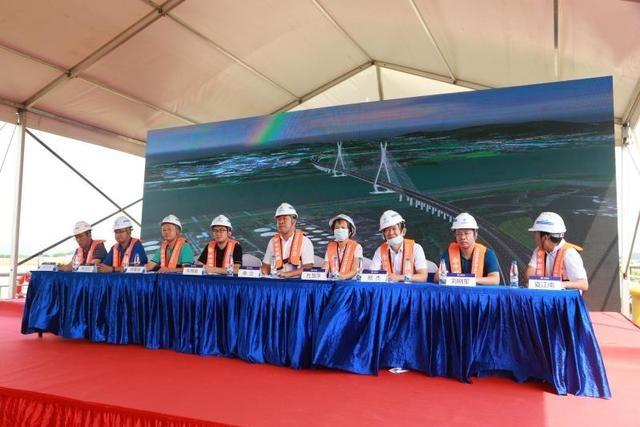 计划2023年完工!佛山富龙西江特大桥举行水上施工应急演练