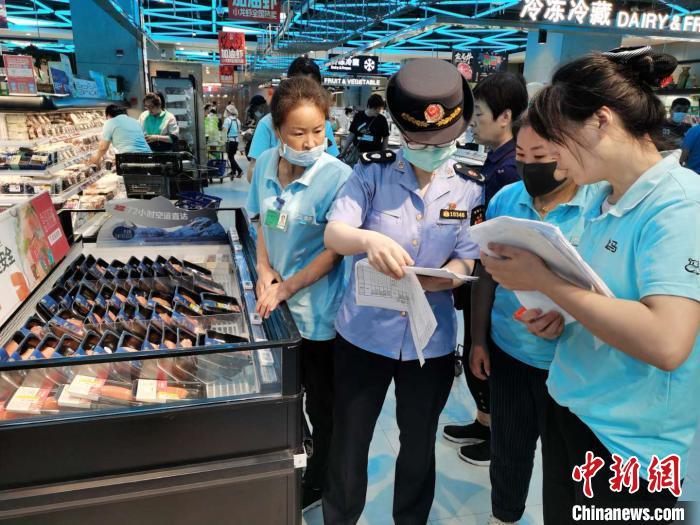 上海开展厄瓜多尔问题冻虾检查 督促经销商封存涉事企业冻虾
