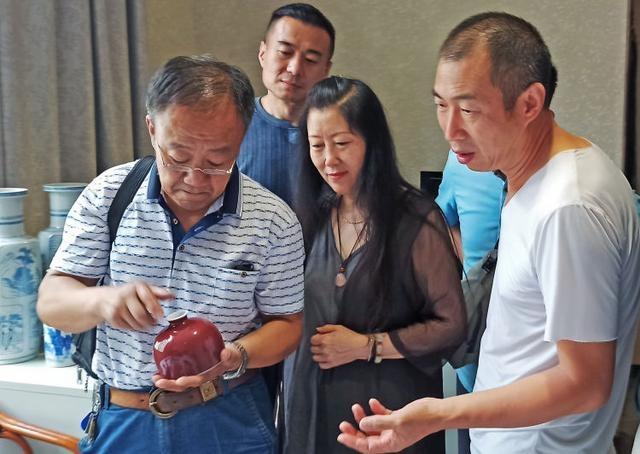 """跟着馆长学习中国传统文化 淄博窑最大特点:""""地瓜干子胎"""""""