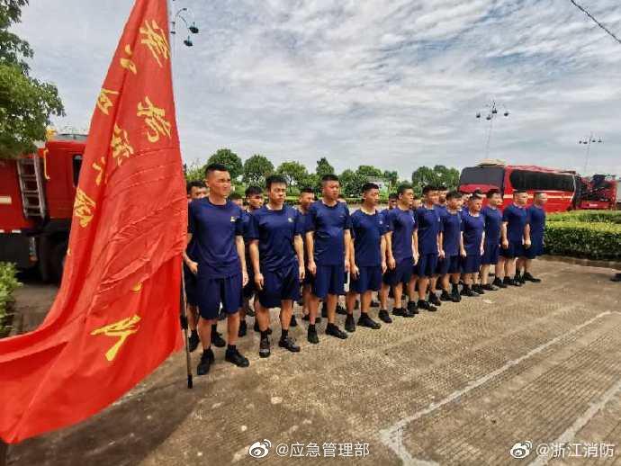 应急管理部紧急调派1000名消防员支援江西抗洪