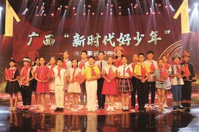 柳州两名学生入选