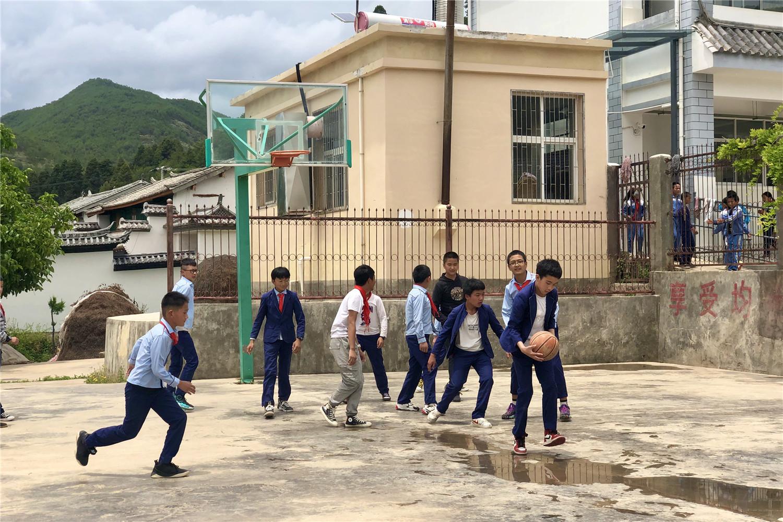 云南马登希望小学:新校园 新希望