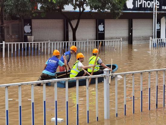 广西融水电信抗击洪灾保通信